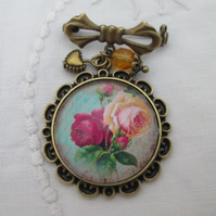 Bowknot brooch pink roses