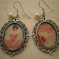 Ornate Frame Earings