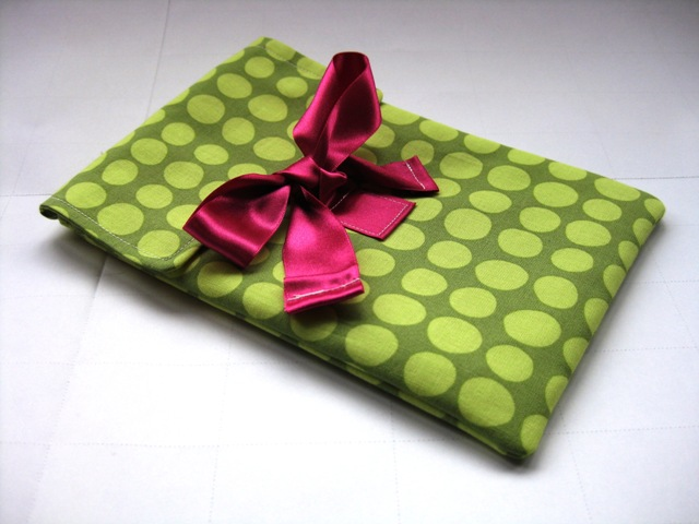 Funky green large spot fabric cover Kindle 3 & New Kindle Wi Fi 6