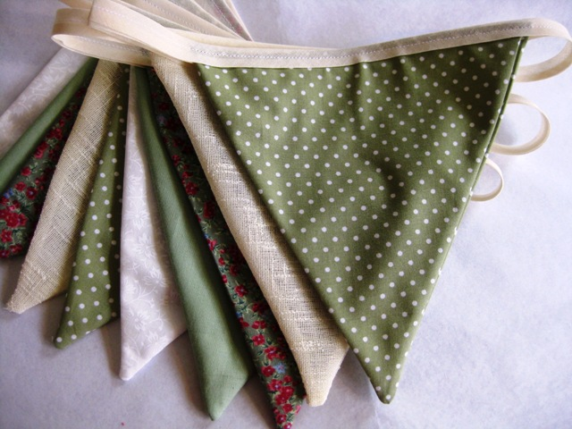 Vintage-style Sage Green & Cream Fabric Party Wedding Bunting 3m