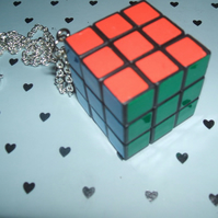 Working Rubix Cube Toy Necklace