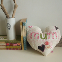 Giant hanging heart - Mum - Mother's Day