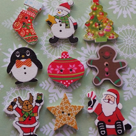SPECIAL OFFER MIX & MATCH Wooden Button Brooches Badges Christmas Gingerbread
