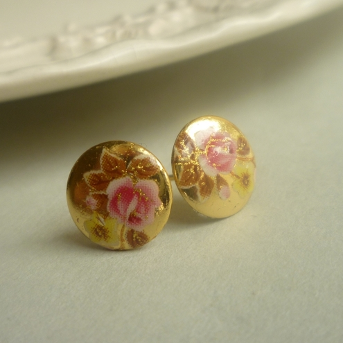 Vintage Stud Earrings Pink