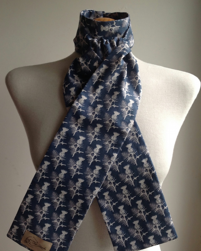 Handmade 100% Cotton shaped-to-tie riding stock Thistles in blue