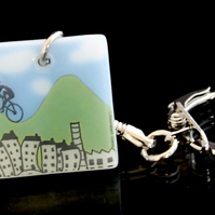 Pennine cyclist keyring celebrating Tour de France