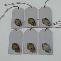Pack of 6 Peacock Feather Wooden Button Gift Tags