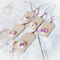 Pack of 5 White & Pink Floral Wooden Button Gift Tags