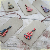 Pack of 5 Acoustic Guitar Wooden Button Gift Tags