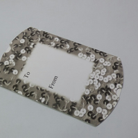 Pillow box silver sequins