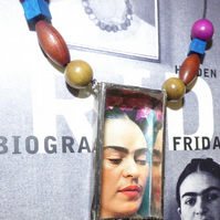 Necklace Frida Kahlo shadow box necklace flower crown image colourful