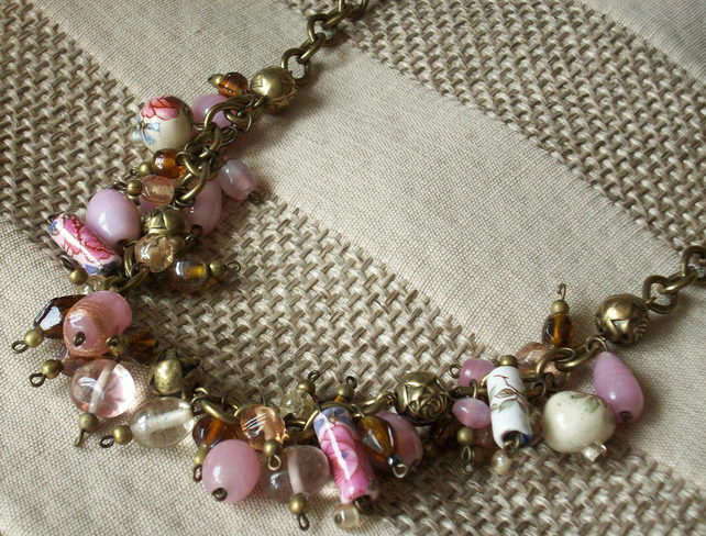Sale- Pink a plenty necklace