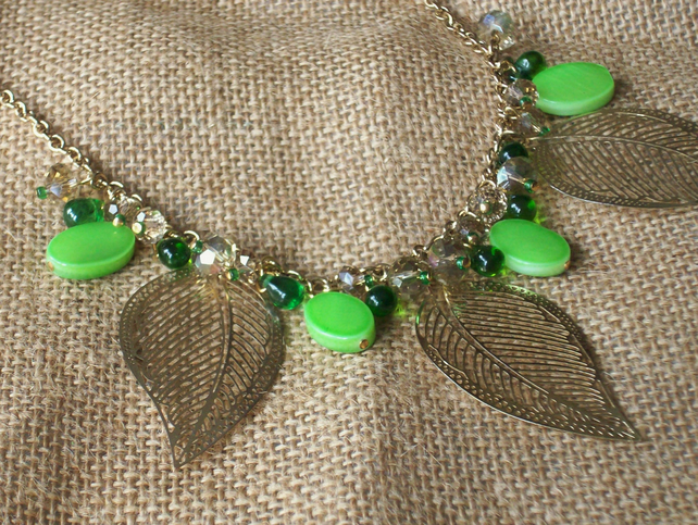 Green tropical necklace