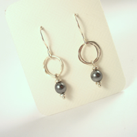 Silver and Black Pearl Hammered Hoop Earrings