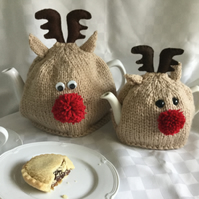 Red Nose Reindeer tea cosy. 2 sizes. KNITTING PATTERN