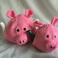 Knitting pattern Piggy tea cosy. 2 sizes included PDF file. Charity