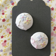 Vintage embroidery covered buttons. Set of 2 large 29mm buttons