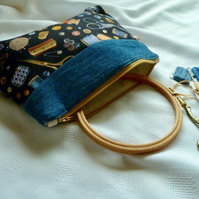 Large  zipped make up bag, pencil case or project bag.