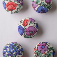 5 Meadow Flowers Design Fabric Covered 23mm Metal Buttons