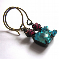 Aqua And Fuchsia Pink Glass Claw Set Vintage Inspired Earrings