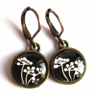 Black And White Flower Earrings Glass Fashion Jewellery