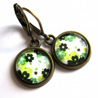 Green Flower Earrings Retro 1960s Style Fashion Jewellery