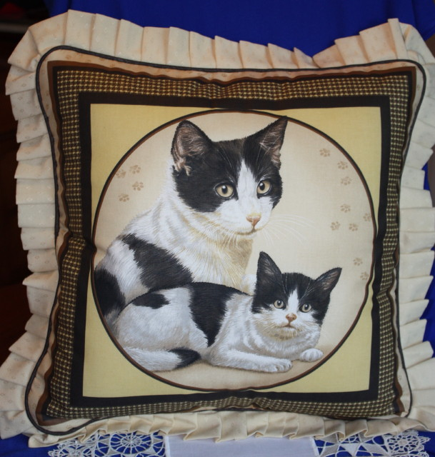Cushions - Pretty Kitty