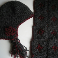 Little girl's winter hat and scarf