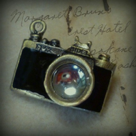 Cool and Quirky Vintage Style Camera Brooch