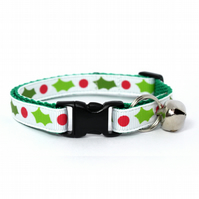 Holly Wreath Christmas Safety Cat Collar