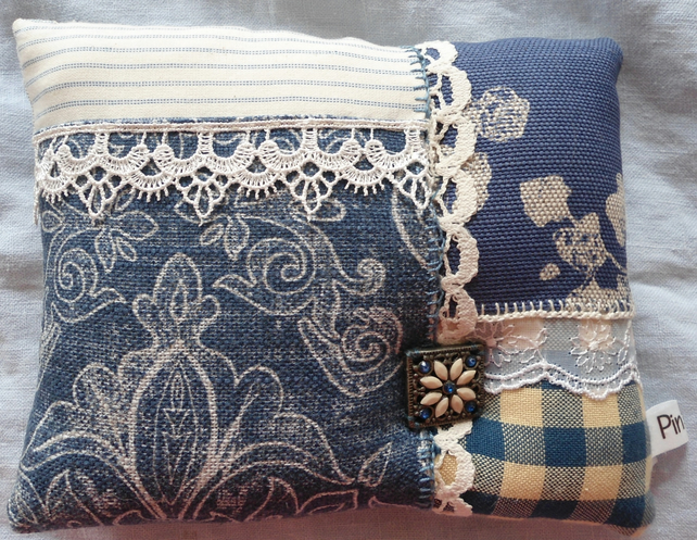 The blue and lace pin pillow