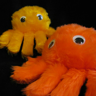 Itsy bitsy spider puppet (orange or yellow)