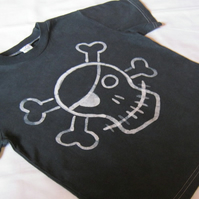 Skull and Crossbone batik t-shirt (age 5-6)