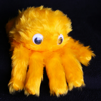 Itsy bitsy spider puppet (yellow) (right handed)