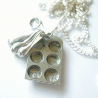 Baking Necklace