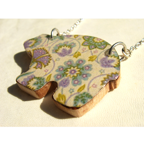Retro Flower Bear Necklace wth Wood & Resin