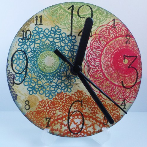 Doilies patterned Cd Clock