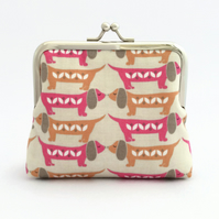 Dachshund Dogs Purse (in pink)