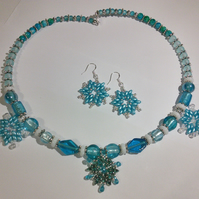 Frozen snowflakes jewellery set
