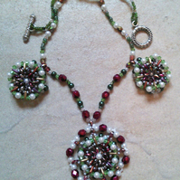 Shimmering green and burgundy necklace