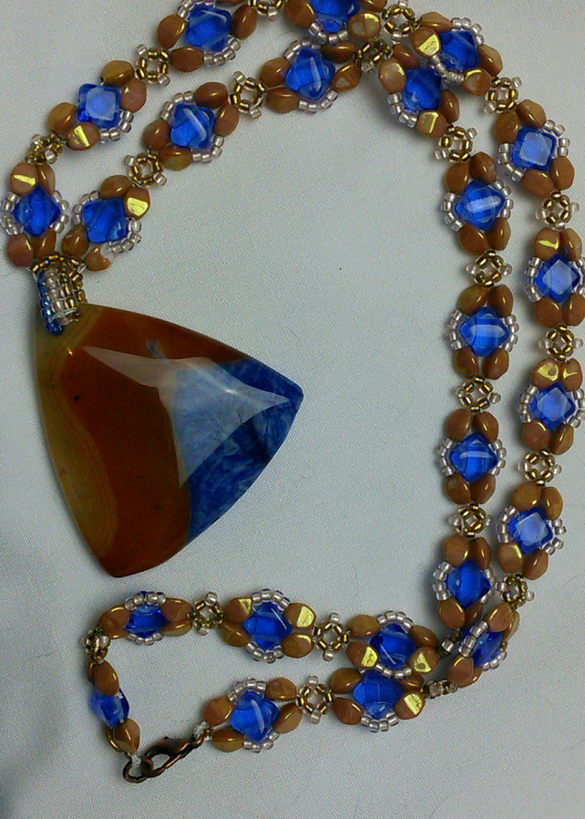 Blue and tan agate necklace.