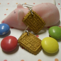 Tiny cookie earrings