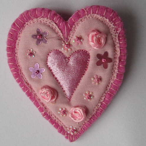 The prettiest heart brooch ever