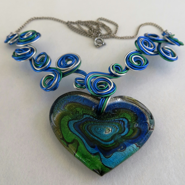 Glass Heart and Wire Necklace