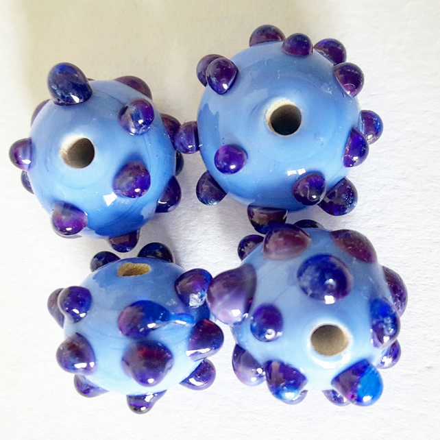 Glass lampworked Bead