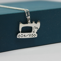 Sterling Silver Sewing Machine Pendant handmade jewellery free P&P
