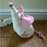 Shabby Chic Millie Mouse doorstop/shelfsitter