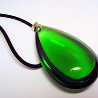 Large smooth tear drop pendant necklace with Chain Necklace postage to UK is FREE