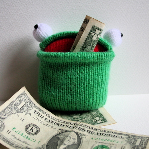 Knit your own Pocket Frogs (pdf knitting pattern)