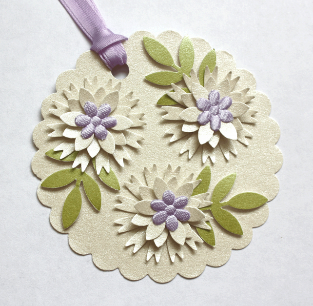 Lilac 'n' Cream Flower Card Topper Tag